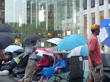 iphone-apple-store-live3.jpg